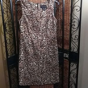 Connected apparel size 6 Sheath dress